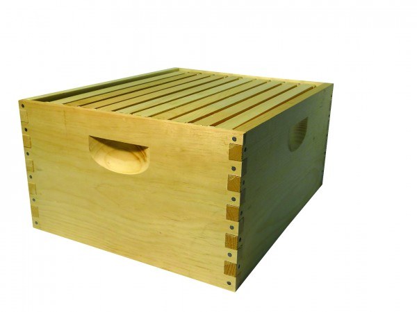 Assembled 8 Frame Hive with Wedge Top & Slotted Bottom Frame